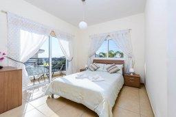 Спальня 2. Кипр, Центр Айя Напы : Шикарная вилла с 4-мя спальнями, с бассейном и большим двориком с патио и барбекю