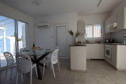 Кухня. Кипр, Санрайз Протарас : Шикарная вилла с 3-мя спальнями, с бассейном, тенистой террасой с патио, барбекю и настольным теннисом