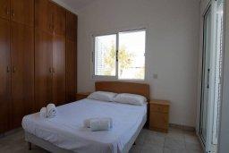Спальня. Кипр, Санрайз Протарас : Шикарная вилла с 3-мя спальнями, с бассейном, тенистой террасой с патио, барбекю и настольным теннисом