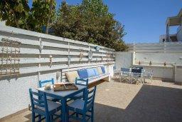 Территория. Кипр, Пернера : Прекрасная вилла с 2-мя спальнями, уютной меблированной террасой и барбекю