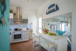 Кухня. Кипр, Пернера : Прекрасная вилла с 2-мя спальнями, уютной меблированной террасой и барбекю