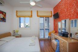 Спальня. Кипр, Пернера : Прекрасная вилла с 2-мя спальнями, уютной меблированной террасой и барбекю