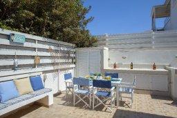 Обеденная зона. Кипр, Пернера : Прекрасная вилла с 2-мя спальнями, уютной меблированной террасой и барбекю