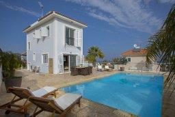 Фасад дома. Кипр, Санрайз Протарас : Шикарная вилла с 3-мя спальнями, с бассейном и патио, с частным садом с бильярдом и настольным теннисом