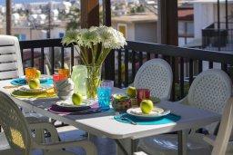 Балкон. Кипр, Санрайз Протарас : Прекрасный апартамент с гостиной, двумя спальнями и балконом с видом на море