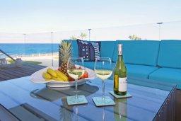 Балкон. Кипр, Каво Марис Протарас : Шикарный апартамент в 100 метрах от пляжа, с тремя спальнями, двумя ванными комнатами и балконом с шикарным видом на море