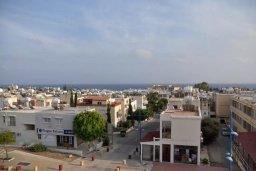 Вид на море. Кипр, Центр Айя Напы : Апартамент с гостиной, двумя спальнями и патио