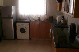 Кухня. Кипр, Декелия - Ороклини : Двухэтажная вилла с двориком, 3 спальни, 3 ванные комнаты, Wi-Fi