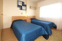 Спальня 2. Кипр, Центр Лимассола : Апартамент в 50 метрах от пляжа, с гостиной, двумя отдельными спальнями и балконом с видом на море