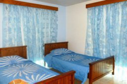 Спальня 2. Кипр, Декелия - Ороклини : Двухэтажная вилла с двориком недалеко от пляжа, 3 спальни, 2 ванные комнаты, Wi-Fi
