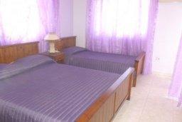 Спальня 3. Кипр, Декелия - Ороклини : Двухэтажная вилла с двориком недалеко от пляжа, 3 спальни, 2 ванные комнаты, Wi-Fi