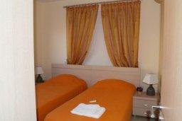 Спальня 2. Кипр, Каппарис : Апартамент с гостиной, тремя спальнями, двумя ванными комнатами и балконом, в комплексе с общим бассейном, Spa-центром и тренажерным залом