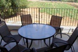 Балкон. Кипр, Каппарис : Апартамент с гостиной, тремя спальнями, двумя ванными комнатами и балконом, в комплексе с общим бассейном, Spa-центром и тренажерным залом