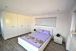 Спальня 2. Кипр, Нисси Бич : Современная вилла с 4-мя спальнями, с бассейном, зелёной территорией и патио, расположена в 200 метрах от пляжа