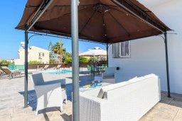 Патио. Кипр, Санрайз Протарас : Прекрасная вилла с 2-мя спальнями, с бассейном и солнечной террасой с патио и барбекю, расположена в тихом районе Протараса