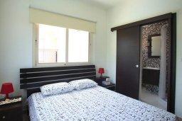 Спальня. Кипр, Пернера : Просторная вилла с бассейном и барбекю, 3 спальни, 2 ванные комнаты, парковка, Wi-Fi