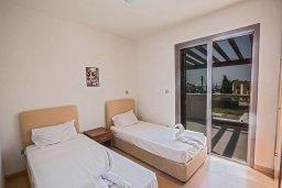 Спальня 2. Кипр, Нисси Бич : Современная вилла с бассейном и зеленым двориком, 3 спальни, 2 ванные комнаты, барбекю, парковка, Wi-Fi