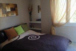 Спальня. Кипр, Гермасойя Лимассол : Премьер апартамент в 50 метрах от пляжа, с гостиной, двумя спальнями и балконом с видом на сад