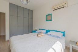 Спальня. Кипр, Декелия - Ороклини : Апартамент с гостиной, отдельной спальней и террасой