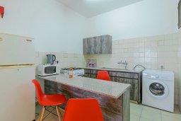 Кухня. Кипр, Декелия - Ороклини : Апартамент с гостиной, двумя спальнями и террасой с видом на море