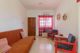 Гостиная. Кипр, Декелия - Ороклини : Апартамент с гостиной, двумя спальнями и террасой с видом на море