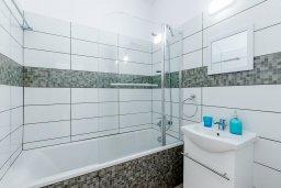 Ванная комната. Кипр, Декелия - Ороклини : Апартамент с гостиной, двумя спальнями и террасой