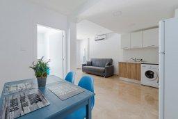 Гостиная. Кипр, Декелия - Ороклини : Апартамент с гостиной, двумя спальнями, двумя ванными комнатами и террасой