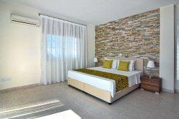 Спальня 3. Кипр, Си Кейвз : Роскошная вилла класса люкс, с 5-ю спальнями, с бассейном, зелённым двориком, барбекю и винным погребом