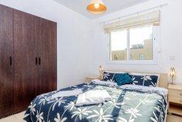 Спальня. Кипр, Пернера : Комфортабельная вилла с 3-мя спальнями, с бассейном и зелёным двориком с патио и барбекю