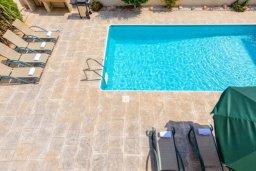 Бассейн. Кипр, Каппарис : Прекрасная вилла с 4-мя спальнями, с бассейном и приватным двориком с беседкой и барбекю
