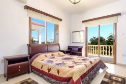 Спальня. Кипр, Нисси Бич : Роскошная вилла с 4-мя спальнями, с бассейном и большим приватным двориком с патио и барбекю