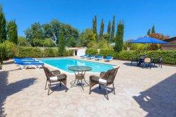 Бассейн. Кипр, Нисси Бич : Роскошная вилла с 4-мя спальнями, с бассейном и большим приватным двориком с патио и барбекю