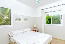 Спальня. Кипр, Каво Марис Протарас : Уютная вилла с 3-мя спальнями, с бассейном, тенистой террасой с патио и барбекю