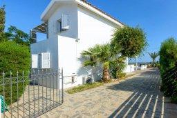 Фасад дома. Кипр, Каво Марис Протарас : Уютная вилла с 3-мя спальнями, с бассейном, тенистой террасой с патио и барбекю