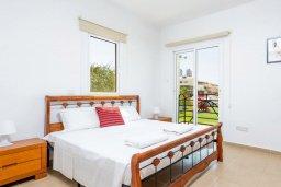 Спальня. Кипр, Каппарис : Превосходная вилла с 3-мя спальнями, с бассейном и зеленым двориком с патио и барбекю