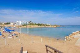 Ближайший пляж. Кипр, Пернера : Прекрасная вилла с 2-мя спальнями, с уютным двориком с солнечной террасой с патио и барбекю