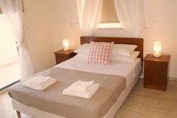Спальня. Кипр, Санрайз Протарас : Прекрасная вилла с 2-мя спальнями, с приватным двориком с патио, джакузи и барбекю