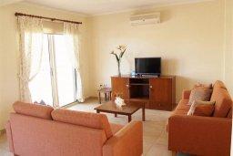 Гостиная. Кипр, Санрайз Протарас : Уютная вилла с видом на море, с 2-мя спальнями, с бассейном, патио и барбекю
