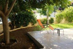 Территория. Кипр, Каво Марис Протарас : Восхитительная вилла с просторным двориком в окружении зелени, тенистой террасой и патио в нескольких минутах ходьбы от прекрасного тихого пляжа Lombardi.