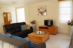 Гостиная. Кипр, Санрайз Протарас : Прекрасная вилла с 2-мя спальнями, с просторным внутренним двориком с патио и барбекю