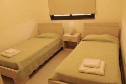 Спальня 2. Кипр, Каппарис : Комфортабельный таунхаус с 3-мя спальнями, в комплексе с бассейном, тренажерным залом и теннисным кортом