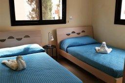 Спальня 2. Кипр, Каппарис : Уютный таунхаус в комплексе с бассейном, с 3-мя спальнями и приватным двориком с патио