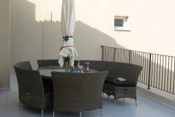 Балкон. Кипр, Каппарис : Современный апартамент с 3-мя спальнями, уютным балконом, в комплексе с бассейном и детской площадкой