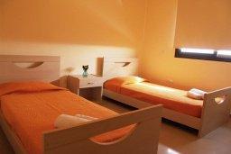 Спальня 2. Кипр, Каппарис : Современный апартамент в комплексе с бассейном, с двумя спальнями и балконом