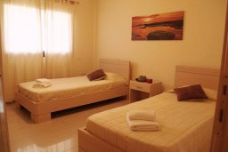 Спальня 2. Кипр, Каппарис : Современный уютный апартамент с двумя спальнями и балконом, в комплексе с бассейном, тренажерным залом и теннисным кортом