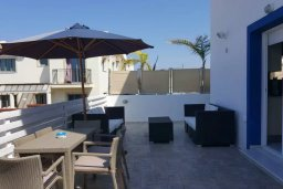 Патио. Кипр, Каппарис : Прекрасная вилла с 2-мя спальнями, бассейном и уютным двориком с патио