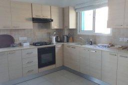 Кухня. Кипр, Каппарис : Прекрасная вилла с 2-мя спальнями, бассейном и уютным двориком с патио