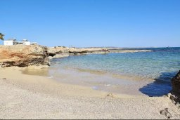 Ближайший пляж. Кипр, Ионион - Айя Текла : Прекрасная вилла с бассейном возле пляжа, 3 спальни, 2 ванные комнаты, барбекю, парковка, Wi-Fi