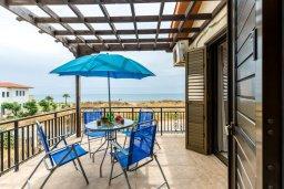 Балкон. Кипр, Ионион - Айя Текла : Прекрасная вилла с бассейном возле пляжа, 3 спальни, 2 ванные комнаты, барбекю, парковка, Wi-Fi