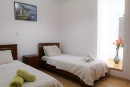 Спальня 2. Кипр, Ларнака город : Прекрасный апартамент в комплексе с бассейном, с большой гостиной, двумя спальнями и балконом